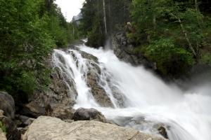 Wallbachschlucht Wasserfall (Kräuterwanderung Lenk im Simmental)